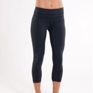 lululemon run inspire crop II Black legging size 6